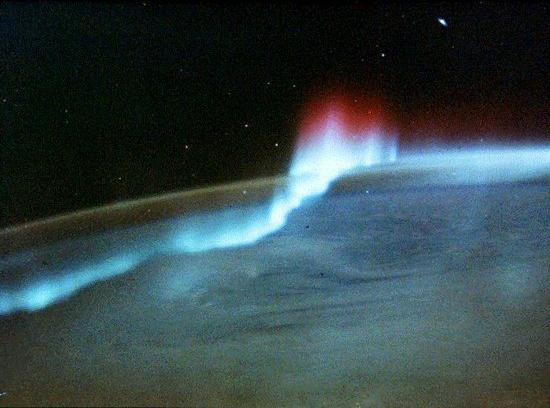 Aurora_Space.jpg