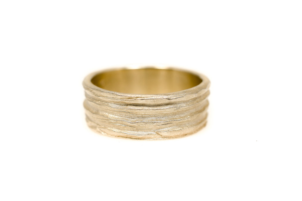 With the Symbiosis rings each parter wears half of unity, half of the same ring. Together they are one, soulmates. SAAGÆ Epic wedding & engagement rings inspired by nature and all its glory. They look like archeological finds!