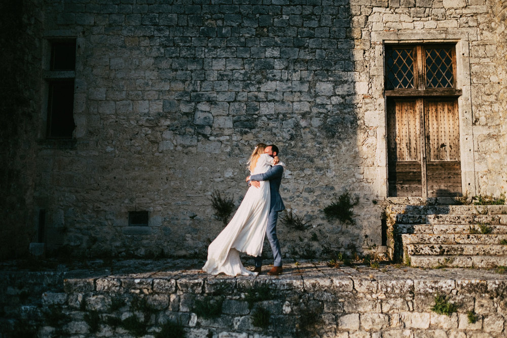 006-bride-and-groom-portraits-in-a-chateau.jpg