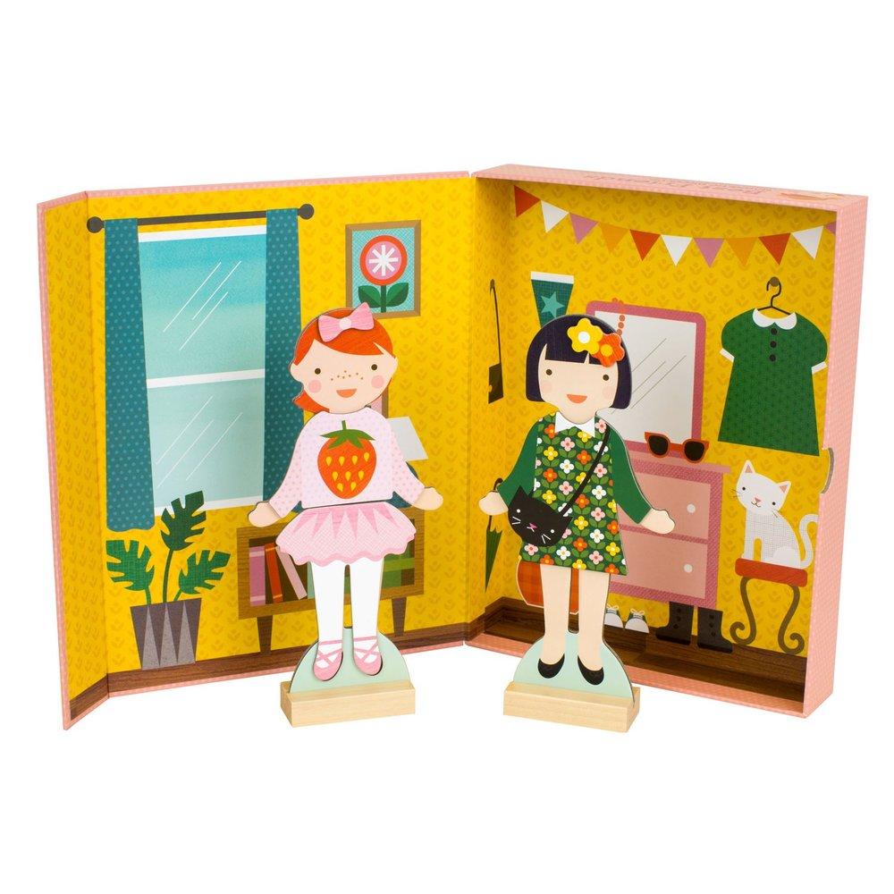 Petit Collage magneetkoffertje met 2 popjes en 200 outtfits
