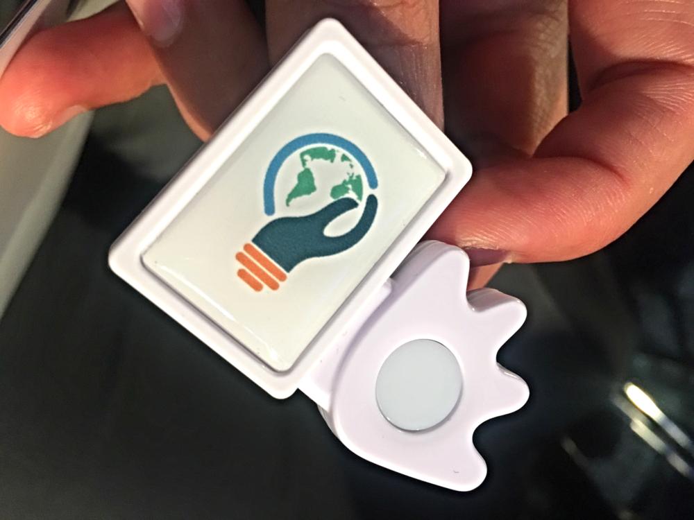 GES2016で参加者全員に配られたPOKENというネットワーキング用のツール