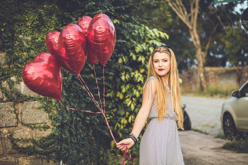 バレンタインに贈るメッセージカードの英語例文20選