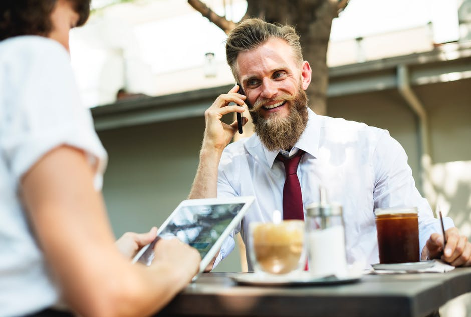 【リアルビジネス英会話】ネイティブが使う英語の敬語や丁寧な表現の4つのポイント