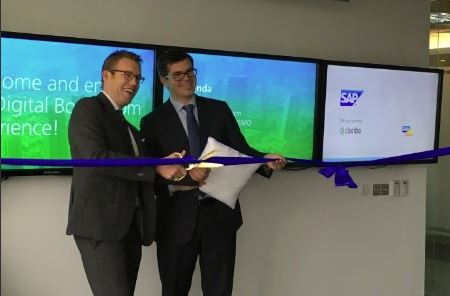 Marc Haberland (Clariba) and Hannes Liebe (SAP) inaugurating the SAP Digital Boardroom in SAP MENA Headquarters in Dubai.