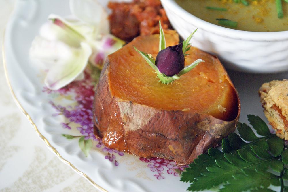 Un morceau de patate douce préalablement cuite au four pendant 30 minutes sur 180°C. C'est délicieusement fondant !