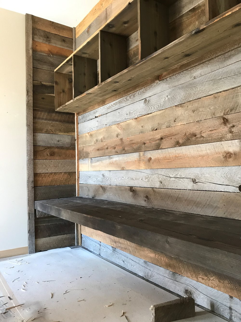 img rustic siding barns weathered barn products reclaimed planks wood