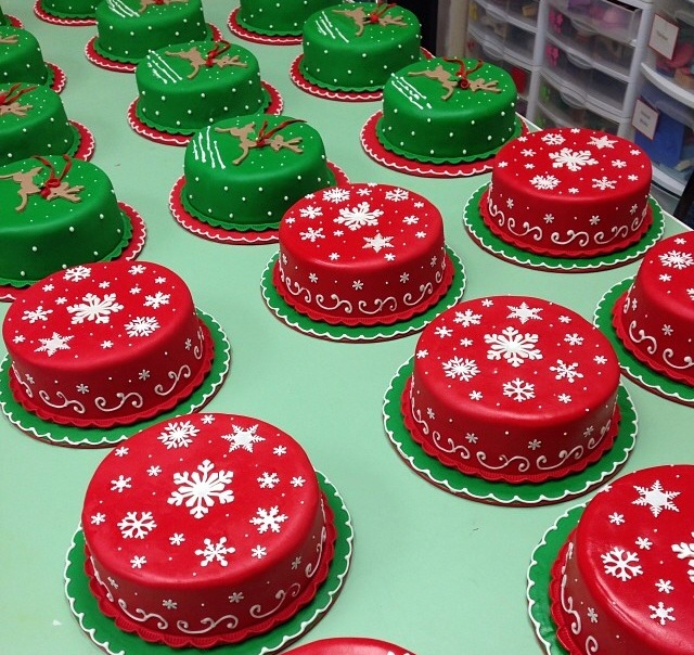 xmas cakes .jpg