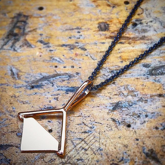 zoey gold pendant.jpg