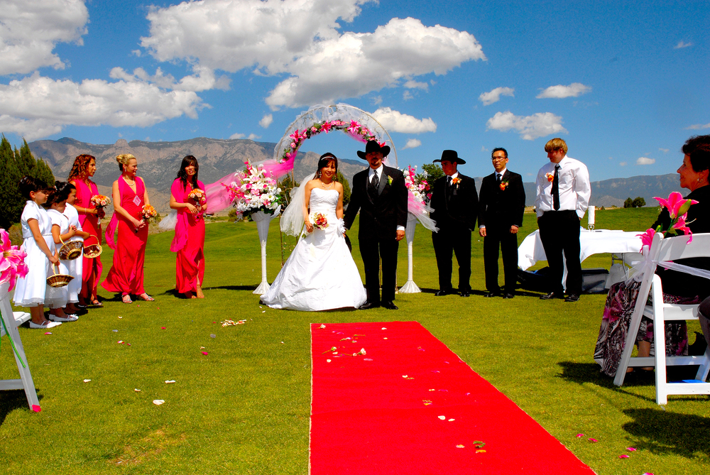 Albuquerque wedding officiant Amor Ceremonies