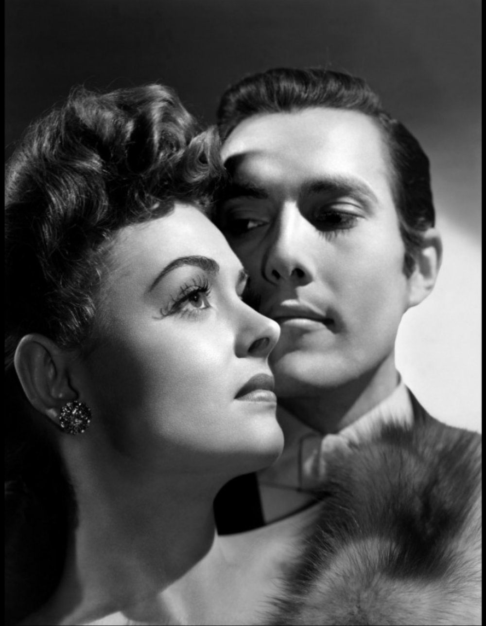 Donna Reed and Hurd Hatfield