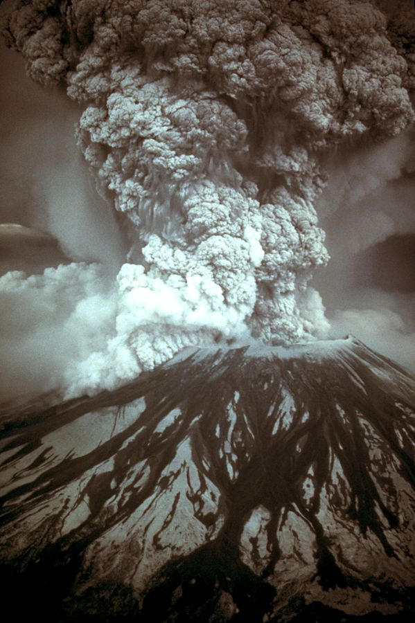 Eruption of Mount St. Helens (via Wikimedia Commons)