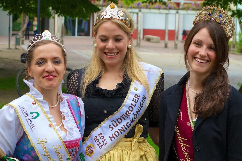 Festival Queens.jpg