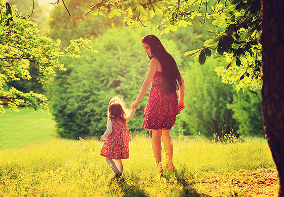 mother-walking-with-a-child-in-the-woods