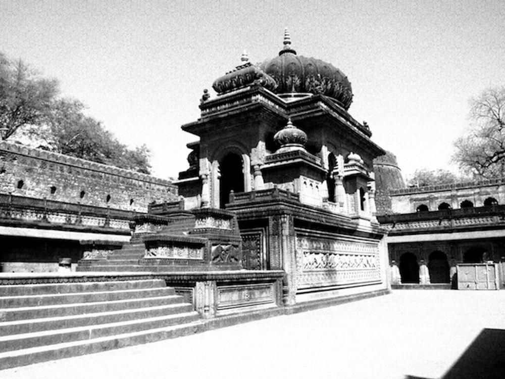 HinduTemple sabine_1026_770_resize_90.jpg
