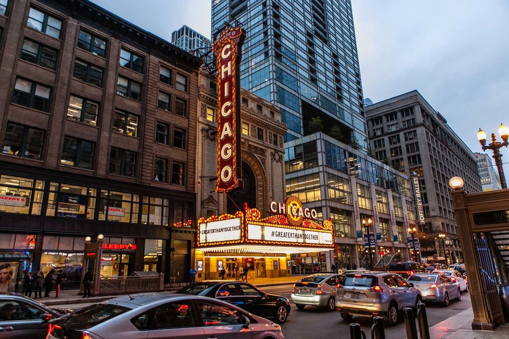 We got this great shot of the Chicago Theatre on Thursday evening after setting up our OOAK booth!