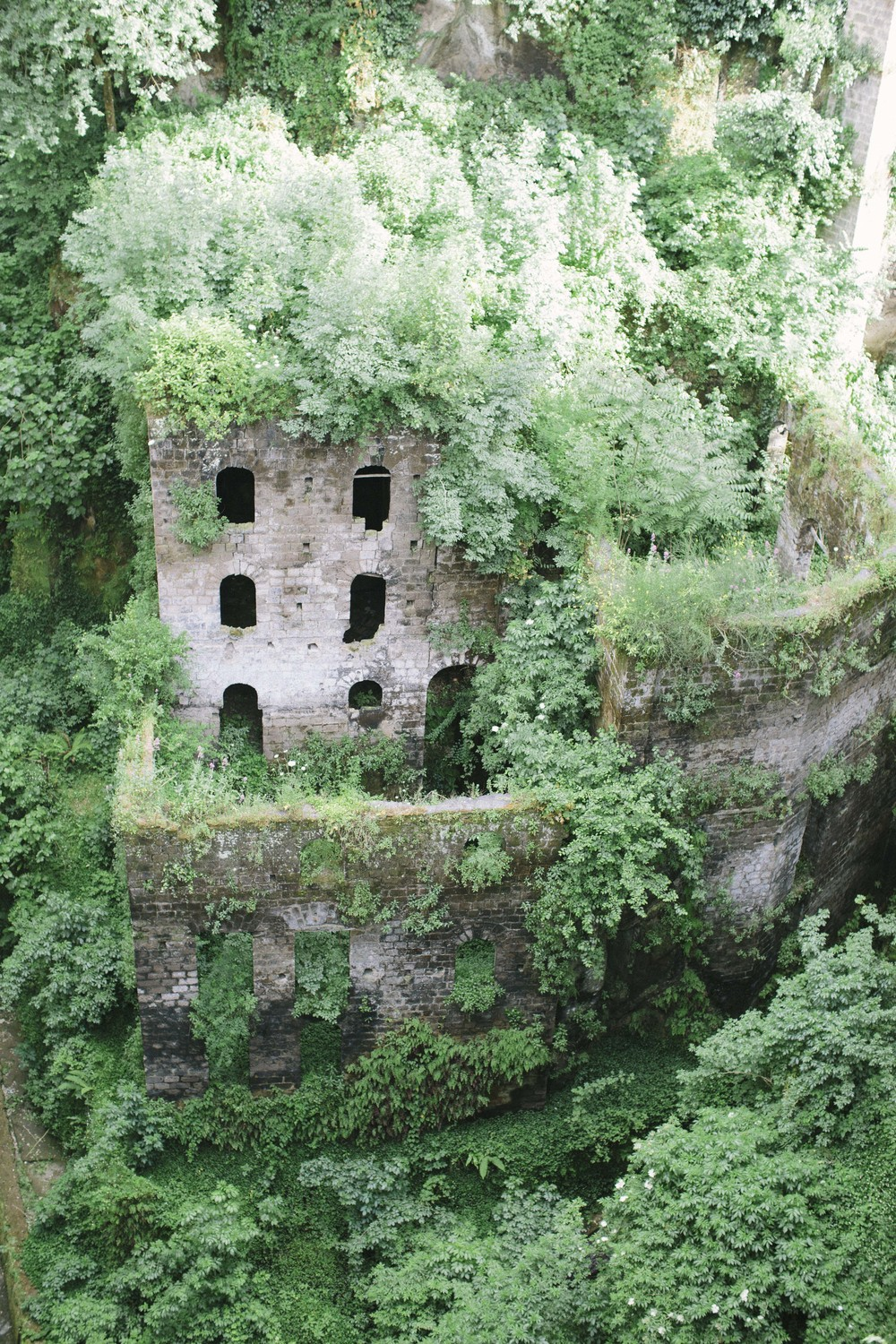 This is ancient Sorrento visible from the street above.