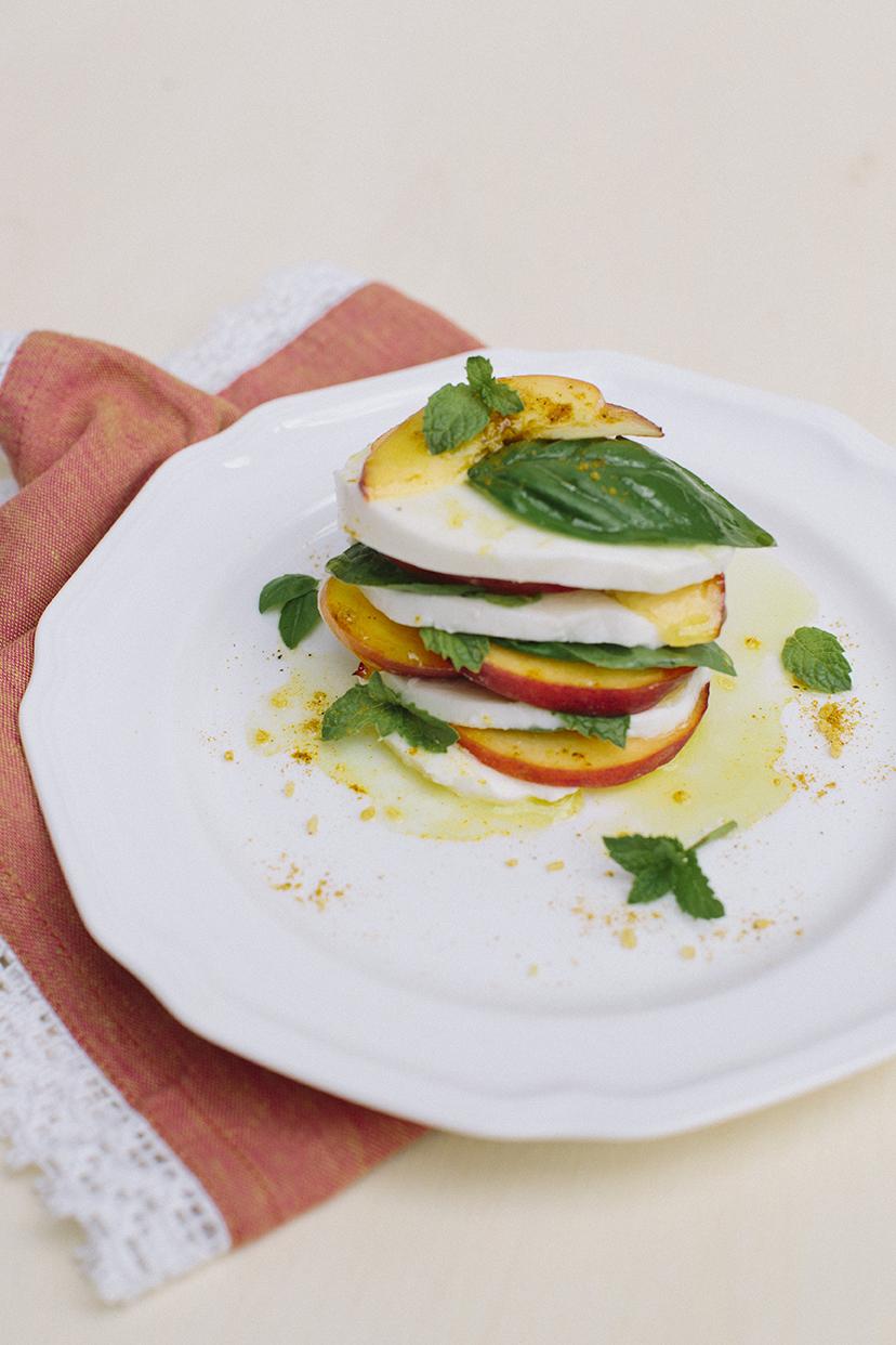 Peach Caprese Salad _ Lauren Carnes Photography1_2.jpg