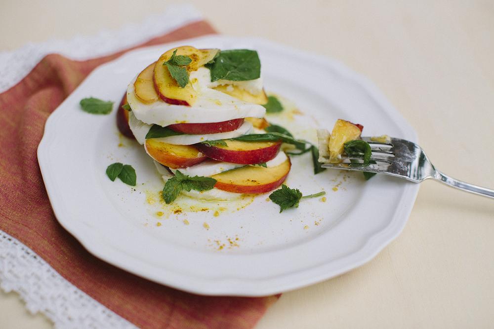 Peach Caprese Salad _ Lauren Carnes Photography1_5.jpg