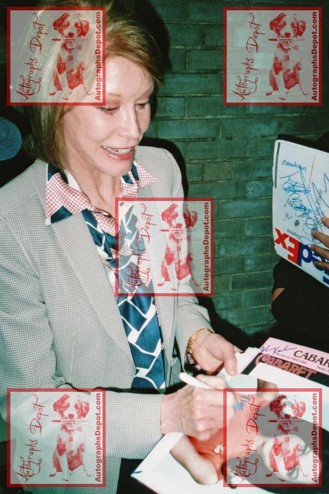 Mary Tyler MooreSCAN2659.JPG