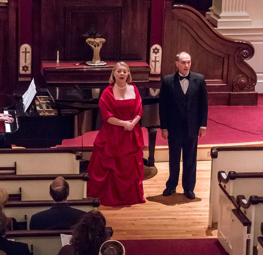 Artistic Director Sondra Kelly and Executive Director Stanley Wilson performing at the September 2015 Schubertiad.