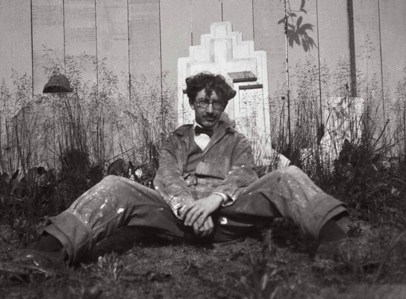 Edgar in 1924 outside Ianelli Studios in Park Ridge, IL.jpg