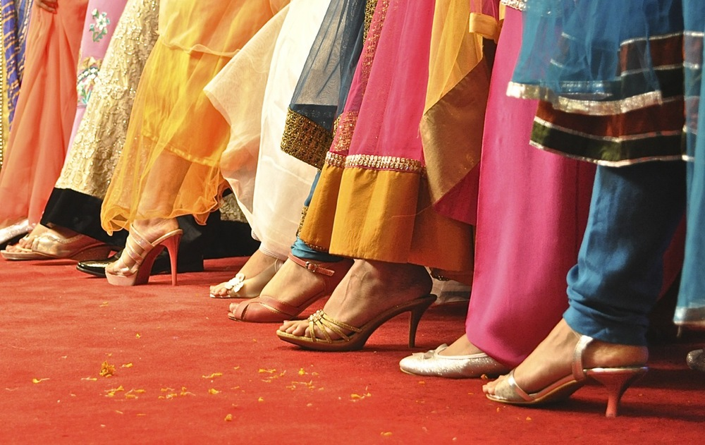 Beautiful ladies. Fashionable dresses. Lovely feet. And footwear.