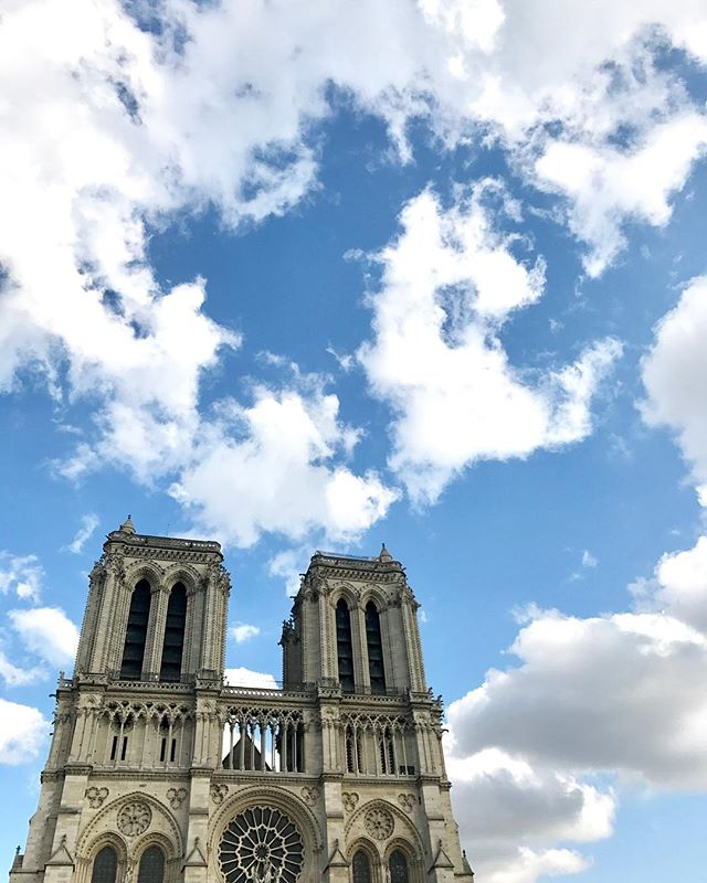 Paris, Je t'aime! ... ... ... #paris #france #notredame #europe #travel #travelgram #instatravel #travelphotography #photography #condenast #bbctravel #travelandleisure #natgeotravel #yourshot #visitparis #myparisstyle @paris_tourisme @parisjetaime