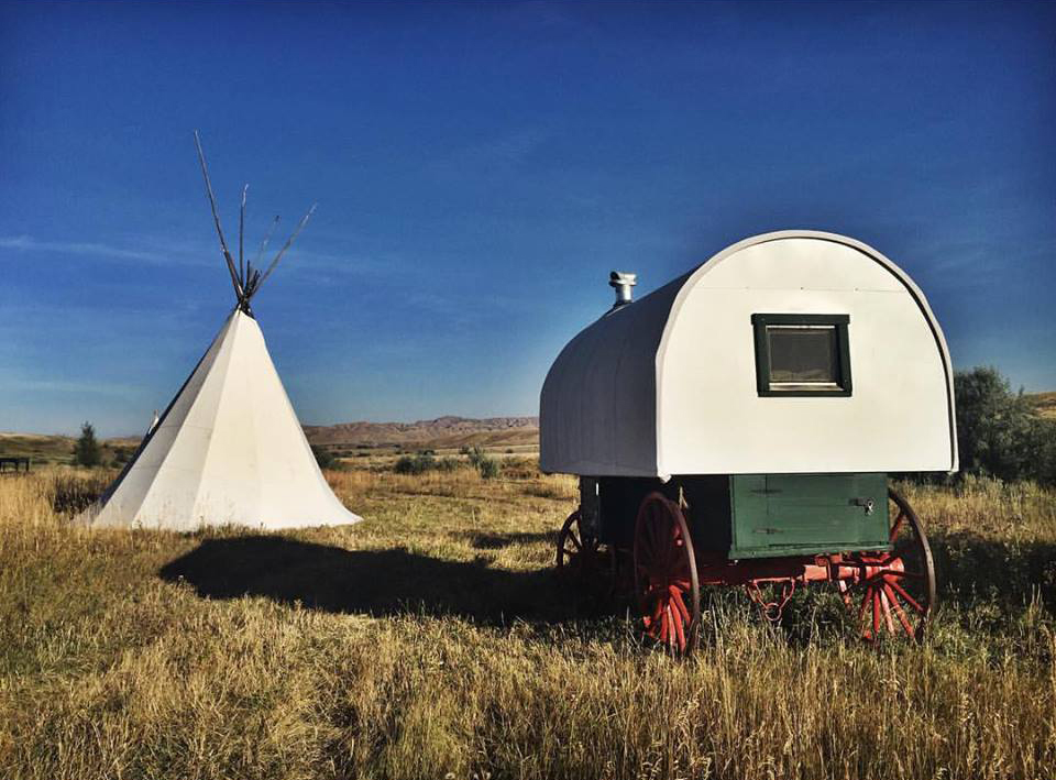 Sheepherder'S Wagon | Yellowstone Camping & Lodging