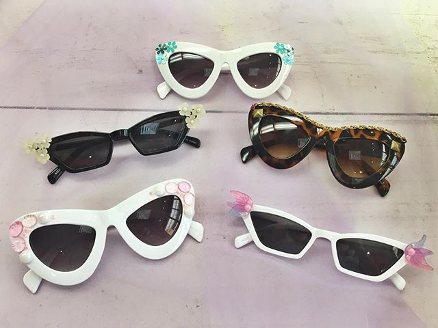 Need some fab sunnies? We've got them! Snag a pair for your Labor Day festivities. 🌞