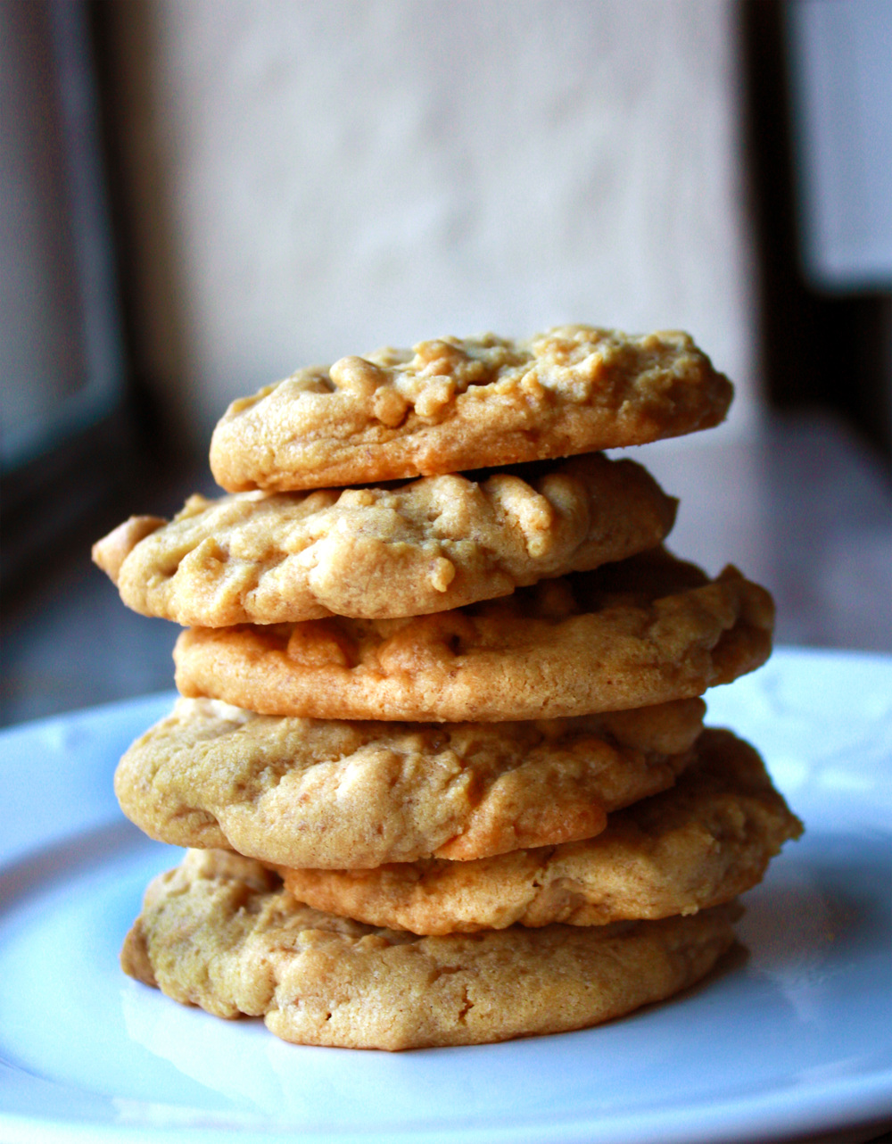 Peanut Butter Cookies via hunt-and-harvest.com