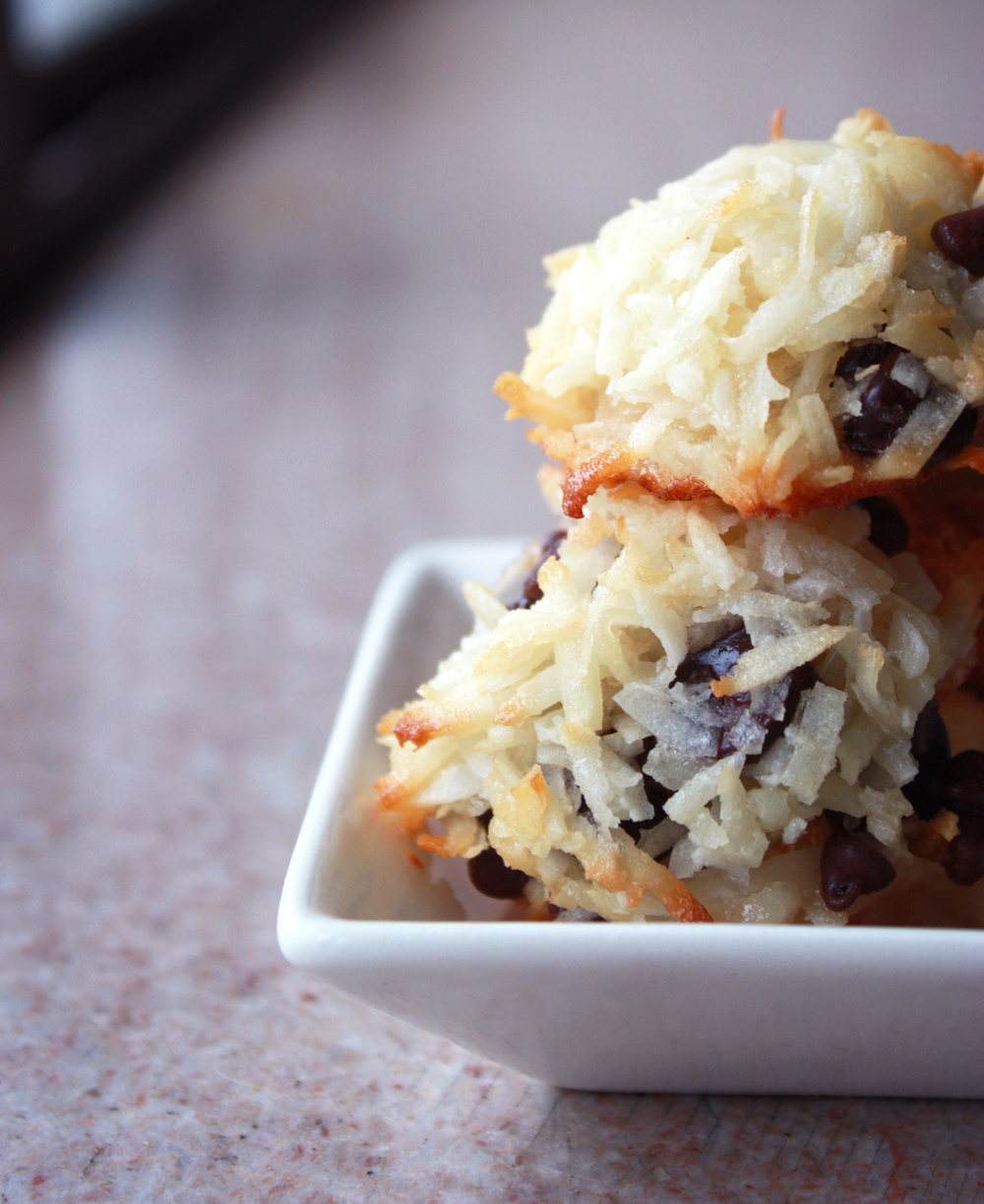 Chocolate Chip Macaroons via hunt-and-harvest.com