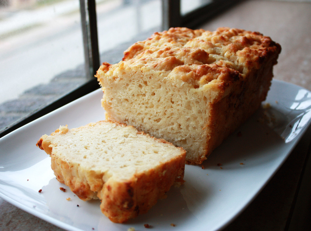 Cheddar Beer Bread via hunt-and-harvest.com