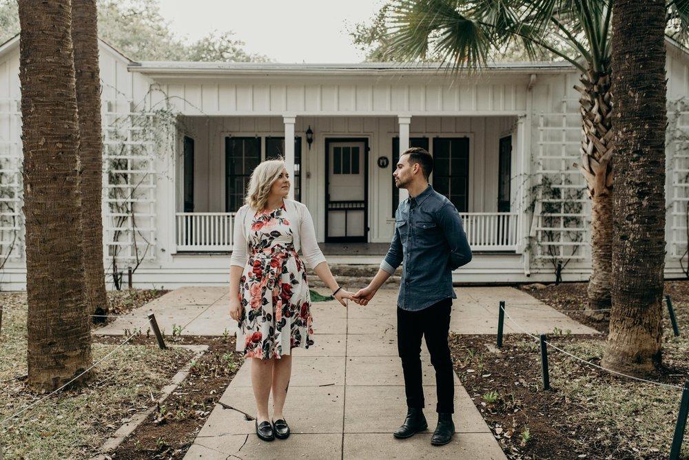 drew-andrew-texas-austin-minnesota-minneapolis-wedding-photographer-destination-elopement-intimate-adventurous_0108.jpg