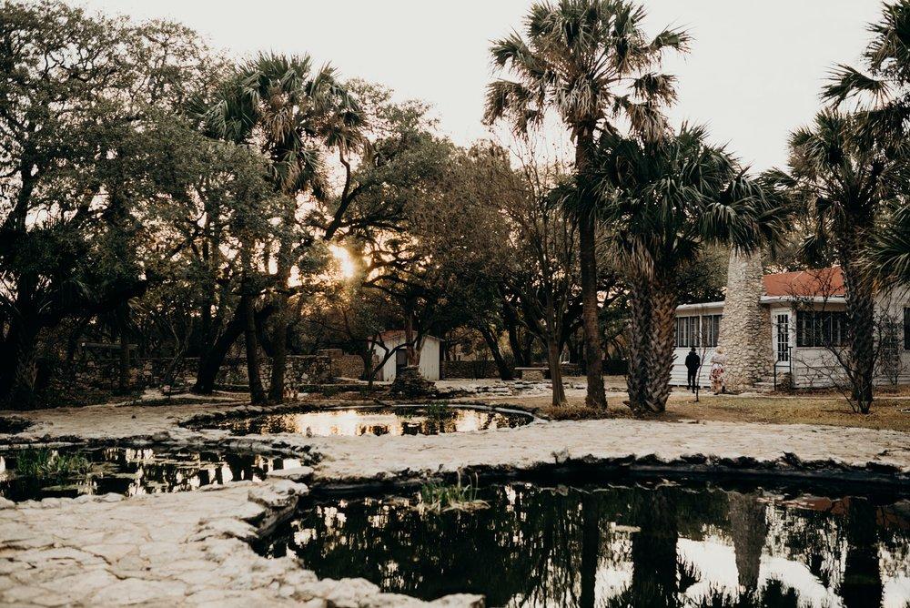 drew-andrew-texas-austin-minnesota-minneapolis-wedding-photographer-destination-elopement-intimate-adventurous_0123.jpg