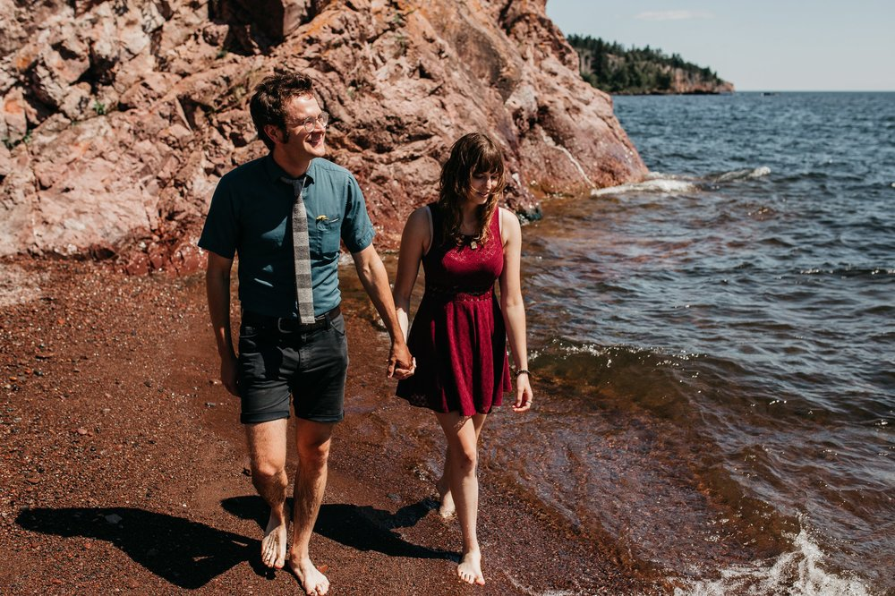 mandy-aaron-austin-minnesota-minneapolis-wedding-photographer-destination-elopement-intimate-adventurous_0012.jpg