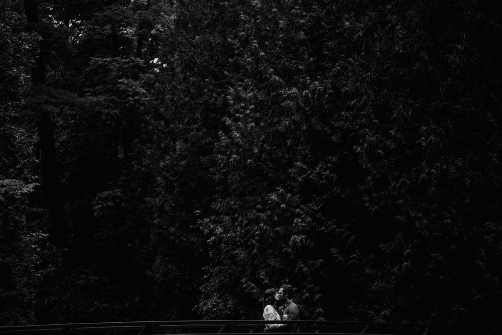 mandy-aaron-austin-minnesota-minneapolis-wedding-photographer-destination-elopement-intimate-adventurous_0028.jpg