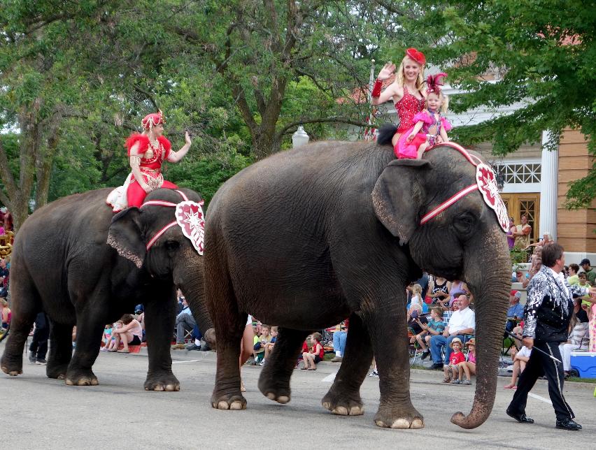 Baraboo Circus Parade 10.04.13.jpg