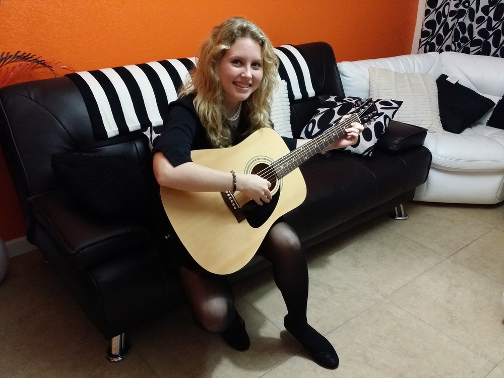 """There is really nothing bad I can say about learning with Richard. He has taught me everything from day 1. I perform at parties for children and now I can pick up my guitar and sing songs while accompanying myself on the guitar. I love learning here!""  Kayla L."