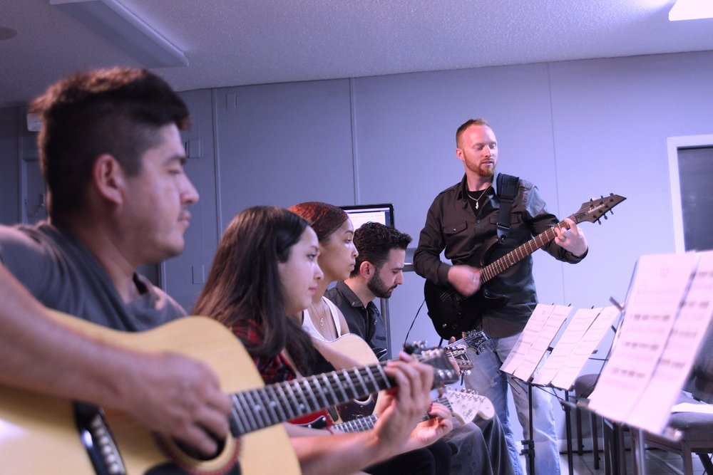 Group Guitar Lessons In Miami, FL