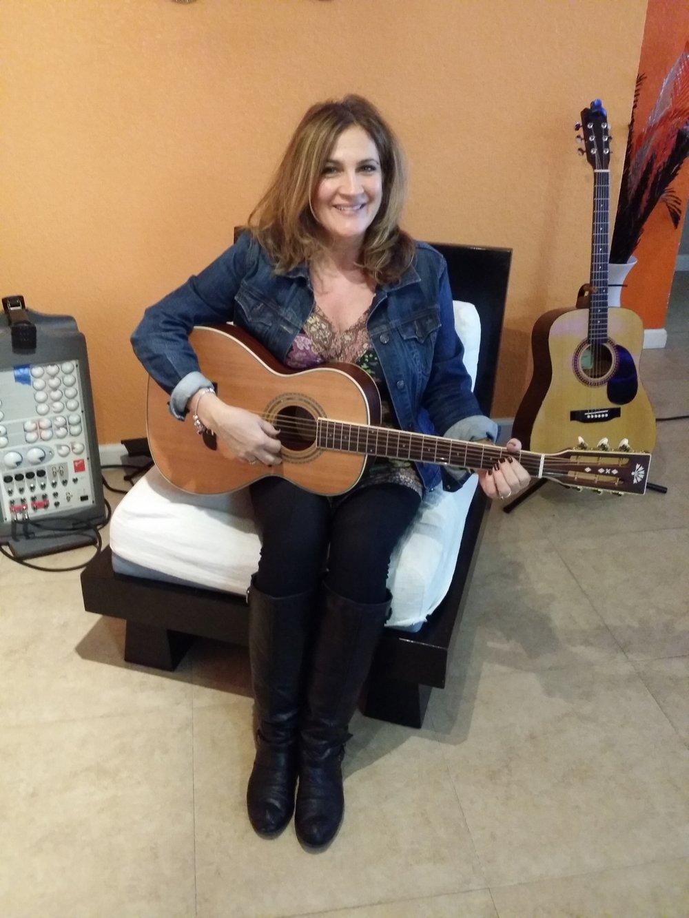 Female Guitar Players