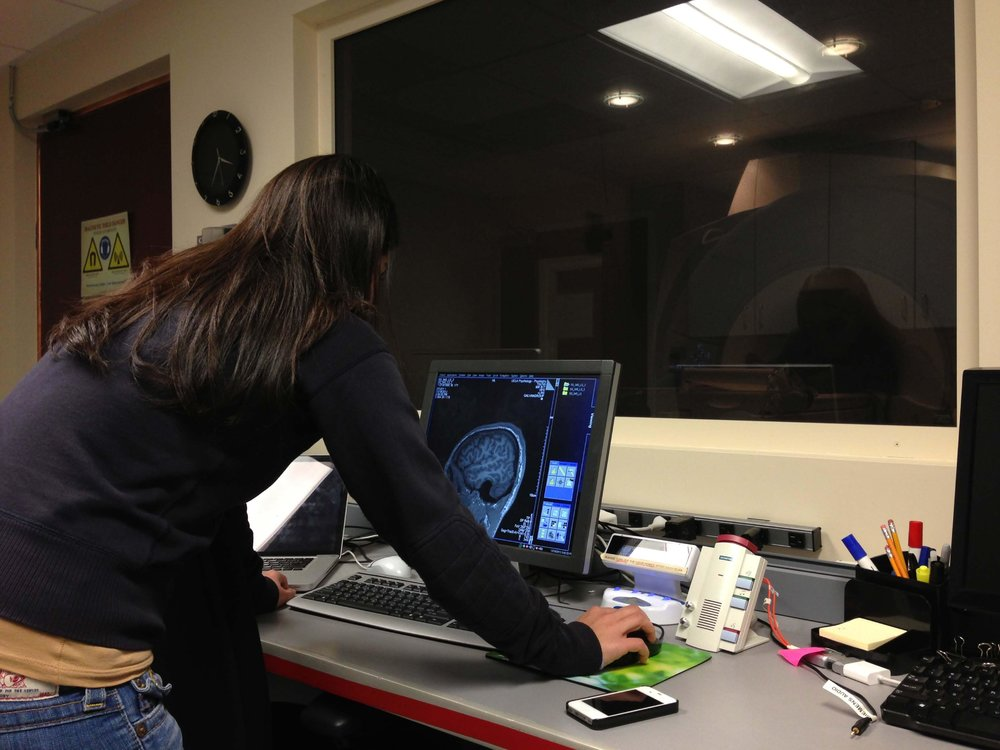 It's 4:45 am in Maintenance Window - to rollback or not to rollback. How does your brain look under stress? - Elica in the lab with MRI on a brain