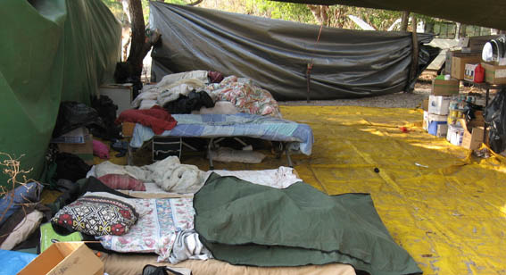 8_camp_beds