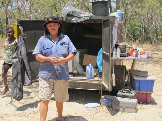 J17_udy_at_camping_trailer