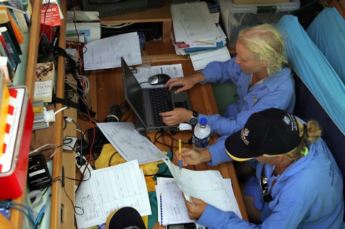 #photooftheday Scientists from GBRMPA collating data during Pelican Coral Bleaching project 2006. At night the office becomes a bedroom! #GreatBarrierReef #climatechange Photo: Sandy Scheltema