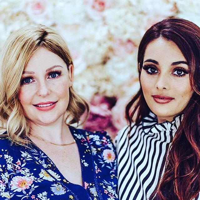 There are a few instances in life when we meet people who truly touch our hearts and change our perspective.  @alyssakmackay and @ashleyallen_eyelashextensions are two of those gems ❤️ For a few years now, #onbrowhouse has been supporting women through #dovehospicenz and last year Ashley founded @petalcharitabletrust - we joined forces to give back in a small but powerful way.  Supporting women living with cancer and giving back what chemo's taken from them - offering pro bono services to ladies who've lost all their eyebrows.  This is simply a match made in heaven - and we couldn't be more grateful 🙏🏼 #petalcharitabletrust #cancersucks #strongwomen #givingback #ashleyallenlashes #probonowork #microblading #microbladingeyebrows #aucklandeyebrowspecialists