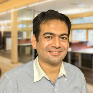 Vihang Patel  Vihang is an entrepreneur, building startups around Big Data, Cloud and Mobile. He is currently the cofounder of Finaxar, a Monk's Hill Ventures portfolio company that provides data-driven financing solutions for small businesses..  Most recently, Vihang was the CTO of Dragon Wealth. Before Dragon Wealth, he was driving technology at Crayon Data. Earlier, he founded Avagam (acquired by Crayon Data) and was a consultant for Deloitte and a boutique strategy firm working across 2 continents and 5 cities.  Vihang earned a B.S. (Hons) and M.S. from the Indian Institute of Technology (IIT), Kharagpur in Mathematics and Computer Science.   https://www.linkedin.com/in/vihangpatel