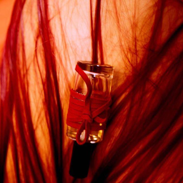 #attachemoi #parfum #icietla #newbeginnings #photography #runzeyu ce soir @galerieslafayettechampselysees #paris