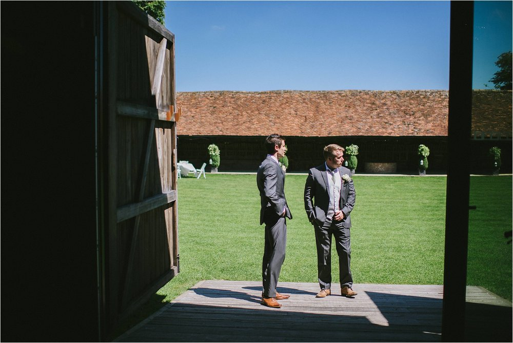 Oxford Lains Barn Wedding Photographer_0042.jpg