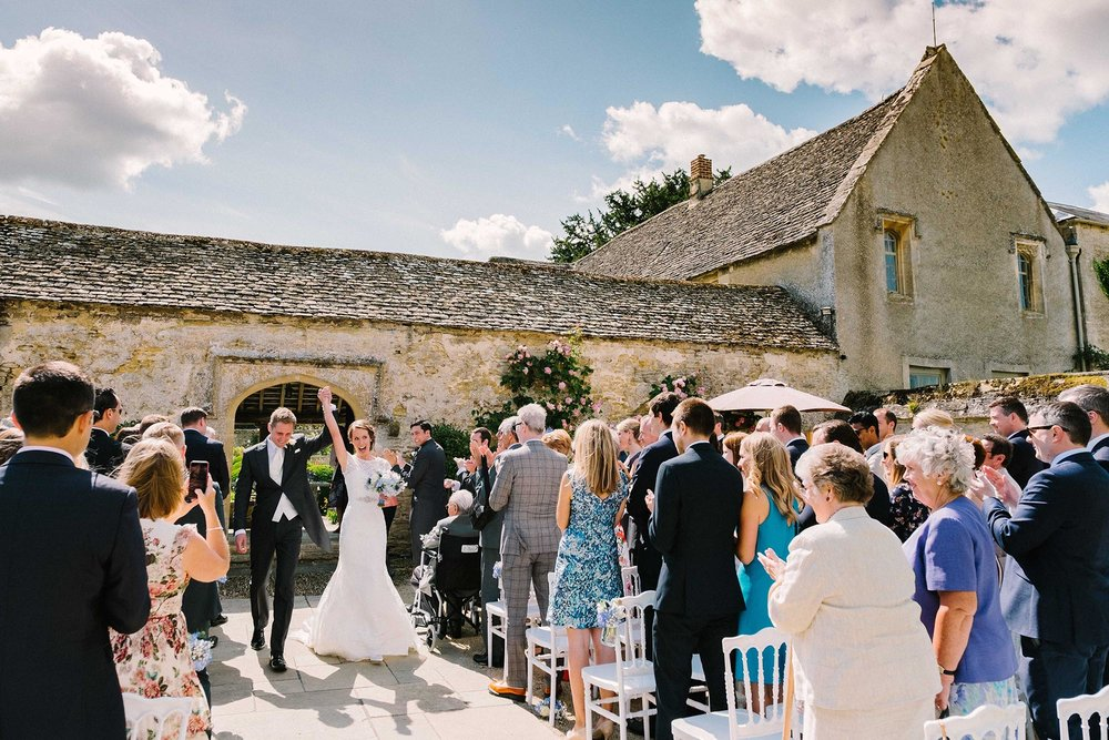 Oxfordshire wedding photography at Caswell House - Laura and Stuart