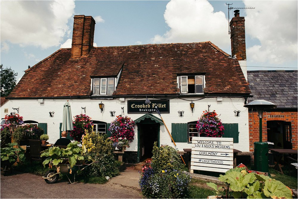 The Crooked Billet Pub Oxfordshire Wedding Photography_0003.jpg
